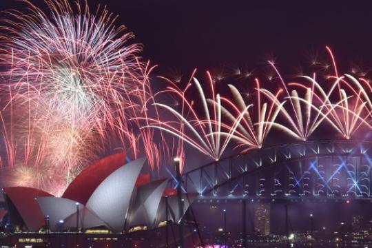 Silvester-Feuerwerk-am-Hafen-von-Sydney